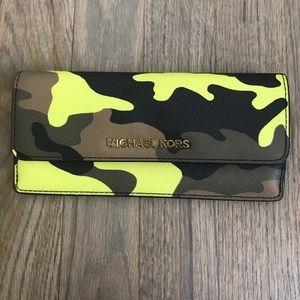 Michael Kors Camo Camouflage slim wallet New